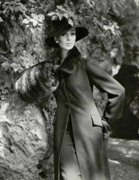 Wilhelmina in black wool coat with detachable mink collar by Pierre Balmain, photo by Pottier, 1962