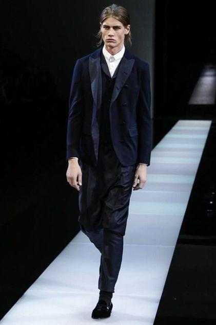 Giorgio Armani Menswear Fall Winter 2015 in Milan