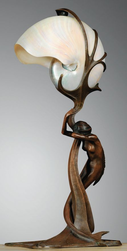 walzerjahrhundert Gustav Gurschner Art Nouveau bronze mermaid lamp with nautilus shell shade, circa 1899