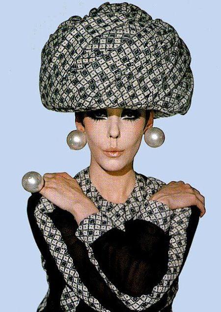 Model Peggy Moffat 1960s fashion